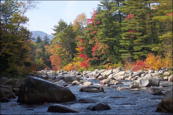 Swift River flows along Kancamagus Scenic Byway on the White Mountain National Forest.