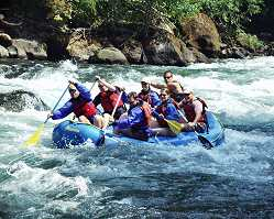 [photo] group rafting, North Umpqua Wild and Scenic River, Oregon